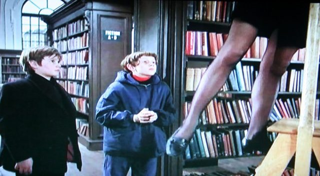 Library ladder scene in Twisted Nerve (1968)