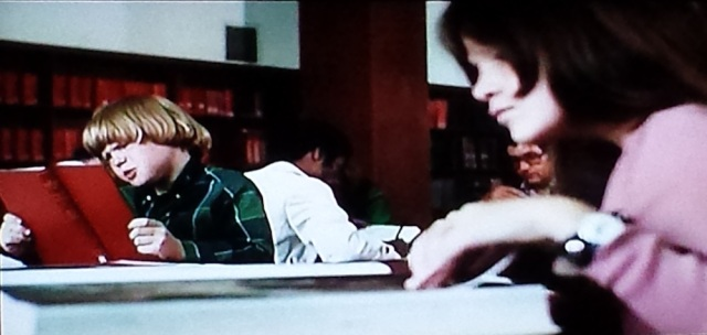 Public library scene in From the Mixed-Up Files of Mrs. Basil E. Frankweiler (1973)