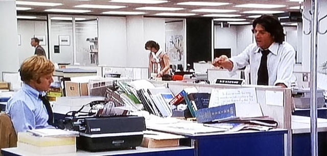 Reel Librarians | Bernstein and Woodward discuss notes in a scene from 'All the President's Men' (1976)