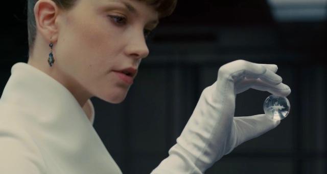 The white glove!