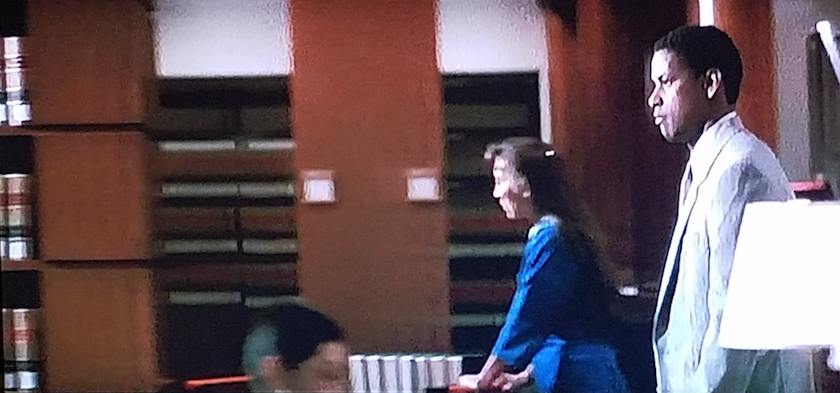 Reel law librarian sighting in The Pelican Brief (1993)